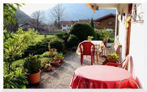 Unsere Terrasse, im Sommer können Sie hier gerne frühstücken!