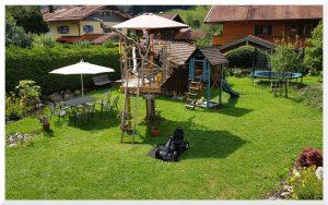 Unser Spielplatz für kleine und große Kinder :)